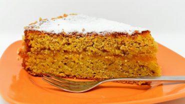 Glycerol monostearate in cake